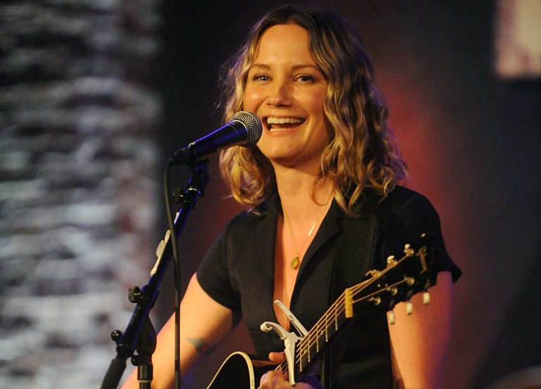 Jennifer Nettles Tapped as Cast Member in 'Mamma Mia!' at the Hollywood Bowl
