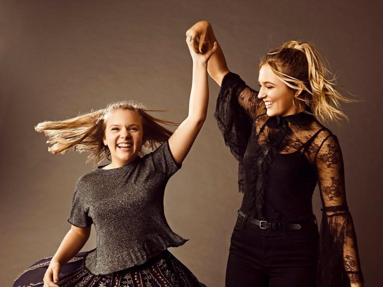 Lennon and Maisy Gush Over New 'Nashville' Cast Member Rachel Bilson