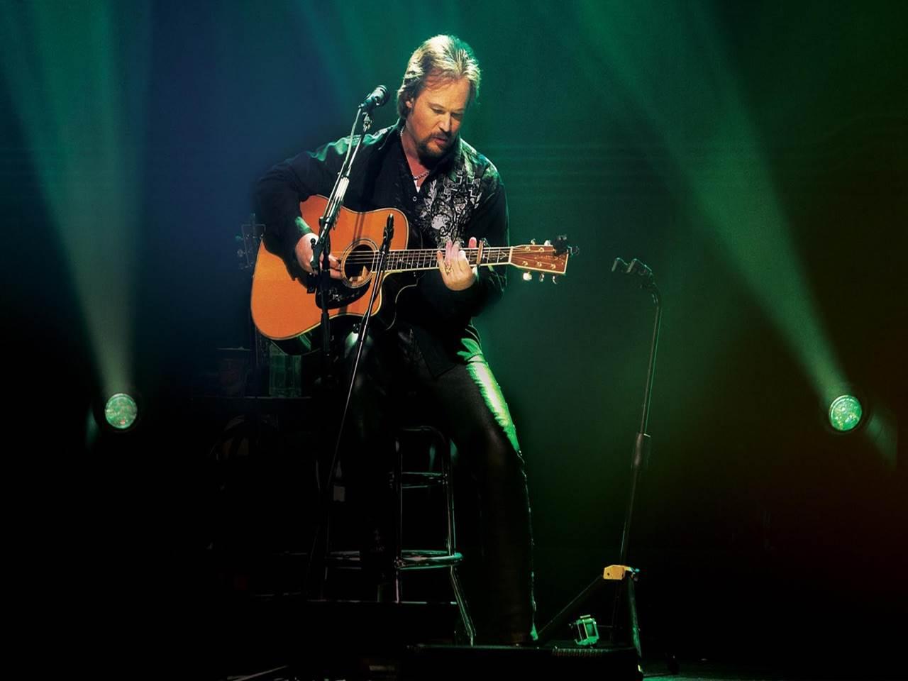 Travis tritt guitar