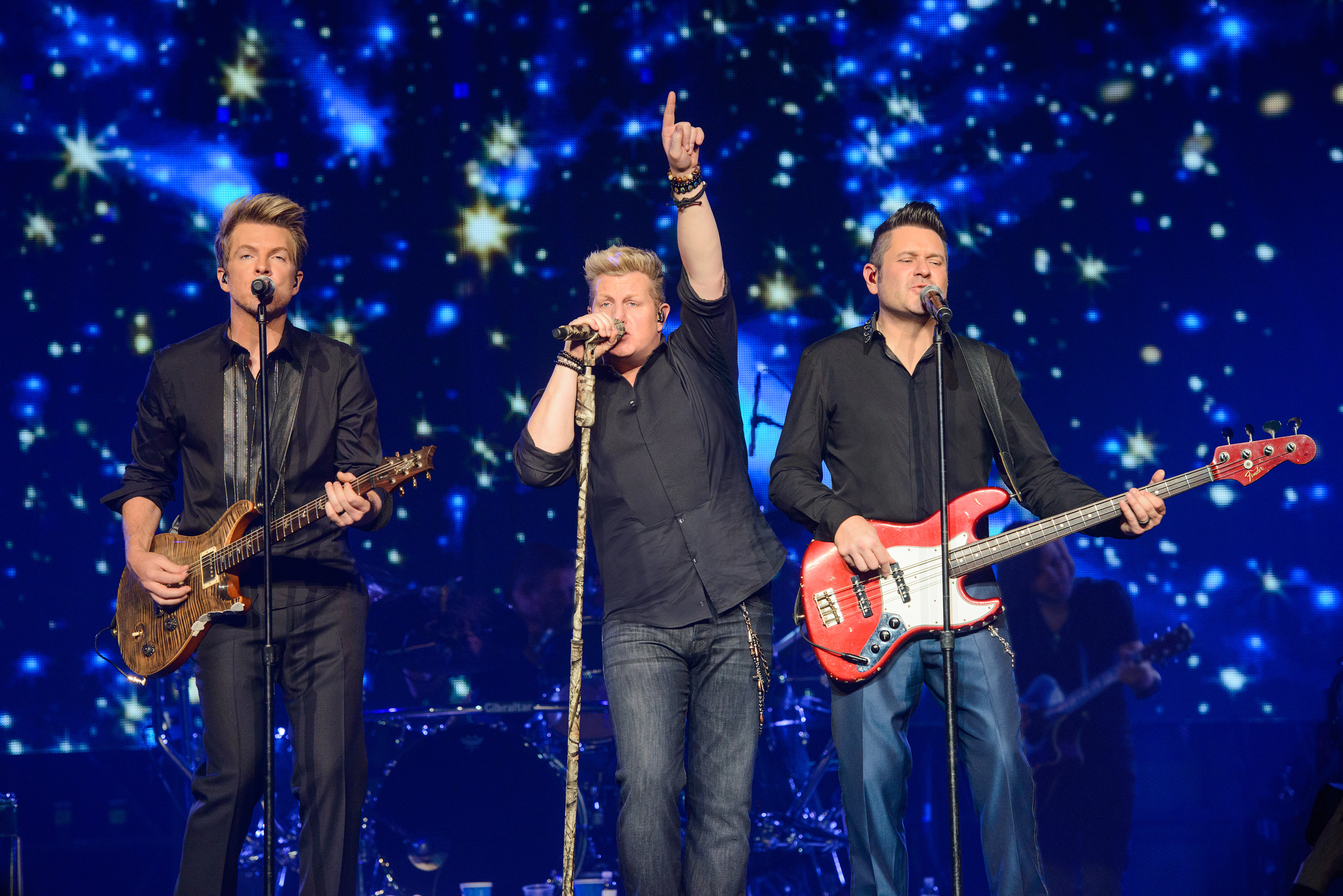 Rascal flatts reveals plans 39 to tour differently this year for Best country christmas songs of all time