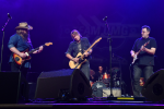 Keith Urban, Chris Stapleton and Vince Gill Steal the Show at Team UMG at The Ryman with Epic Guitar Jam