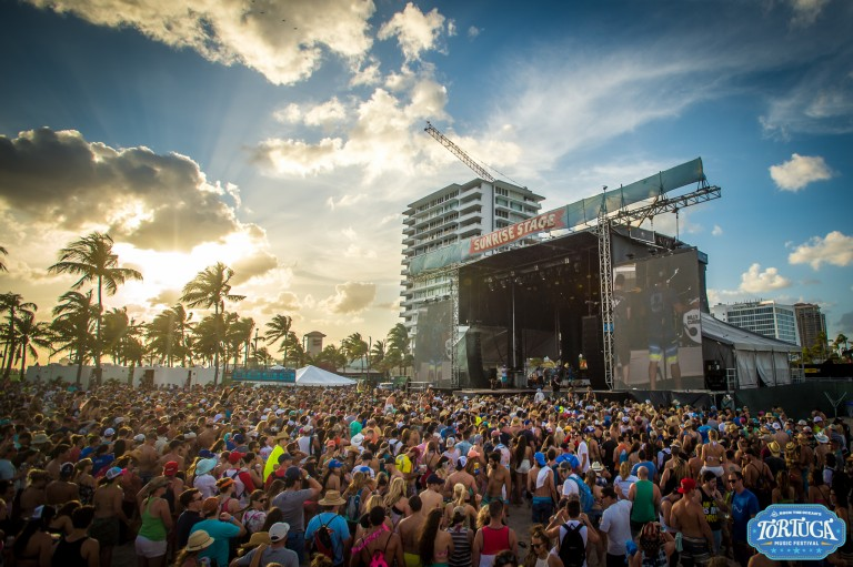 10 Things You're Guaranteed to See at a Country Music Festival