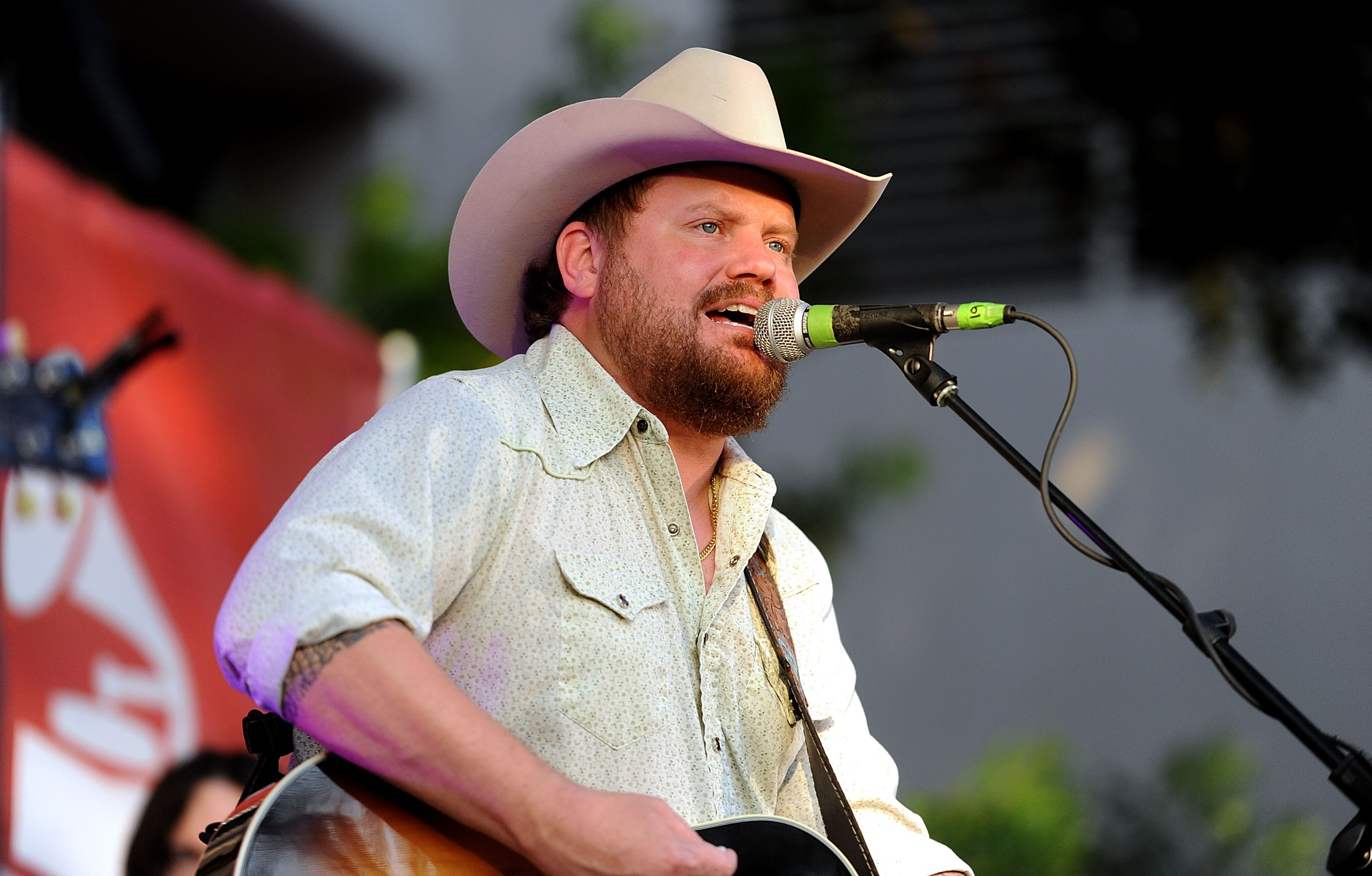Randy Rogers and Wife Expecting Baby Girl