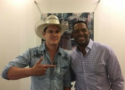 Jon Pardi Plays With Puppies, Performs on 'Good Morning America'