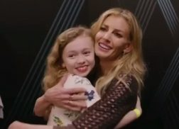 Faith Hill Sweetly Sings with Young Fan During Meet-and-Greet