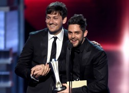 Thomas Rhett's 'Die a Happy Man' Scores ACM Song of the Year Award