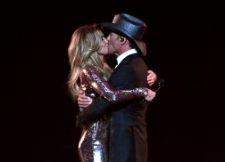 Tim McGraw and Faith Hill Send a Message with Live Debut of 'Speak to a Girl'