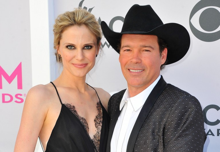 Clay Walker and Wife Expecting 4th Child