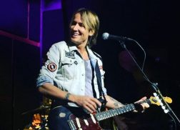 Keith Urban Surprises Nashville with Intimate Club Show