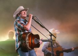Alan Jackson Creates #Honkytonks4Texas Initiative for Hurricane Relief