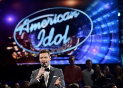 Ryan Seacrest to Return as Host of 'American Idol'