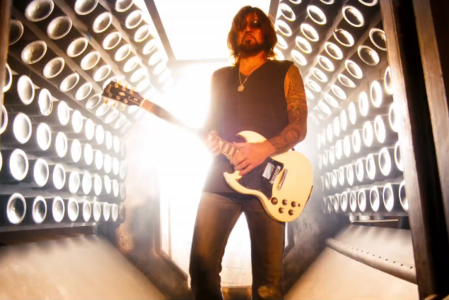 Throwback to the Time Billy Ray Cyrus Rapped 'Achy Breaky Heart'