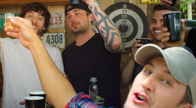 Chris Janson Parties with Luke Bryan and Dustin Lynch in 'Fix a Drink' Video