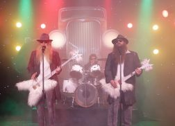 Chris Stapleton, Jimmy Fallon and Kevin Bacon Channel ZZ Top in Hilarious 'Tonight Show' Skit