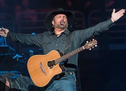 Garth Brooks Gives Fan a Prom Night She'll Never Forget