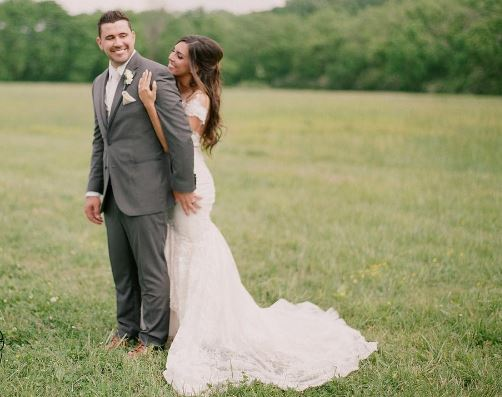 Josh Gracin Ties the Knot with Girlfriend Katie Weir
