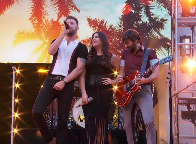 Lady antebellum looks real good on 39 dancing with the for Lady antebellum miscarriage how far along