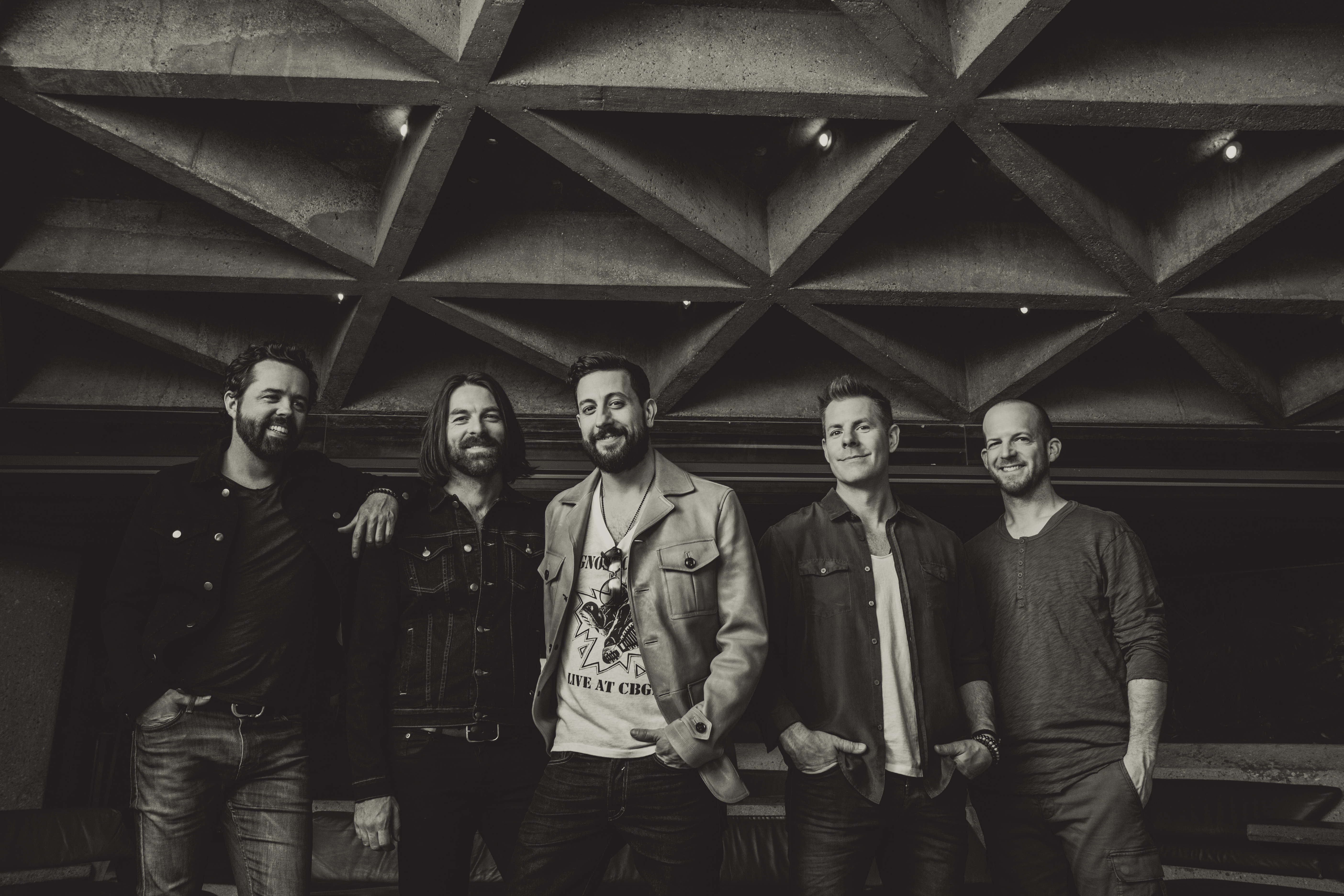 Old Dominion Announces Tracklist for 'Happy Endings'