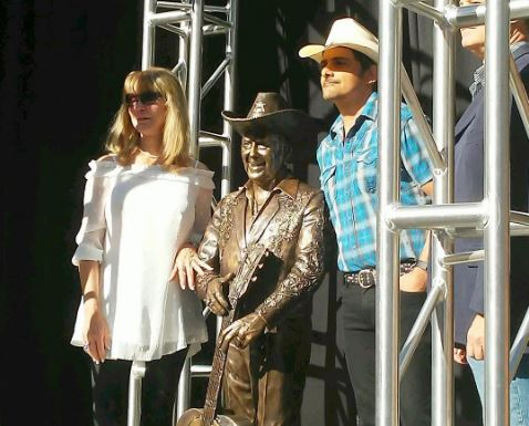 Brad Paisley, Ricky Skaggs Unveil Little Jimmy Dickens, Bill Monroe Statues Outside of Ryman Auditorium