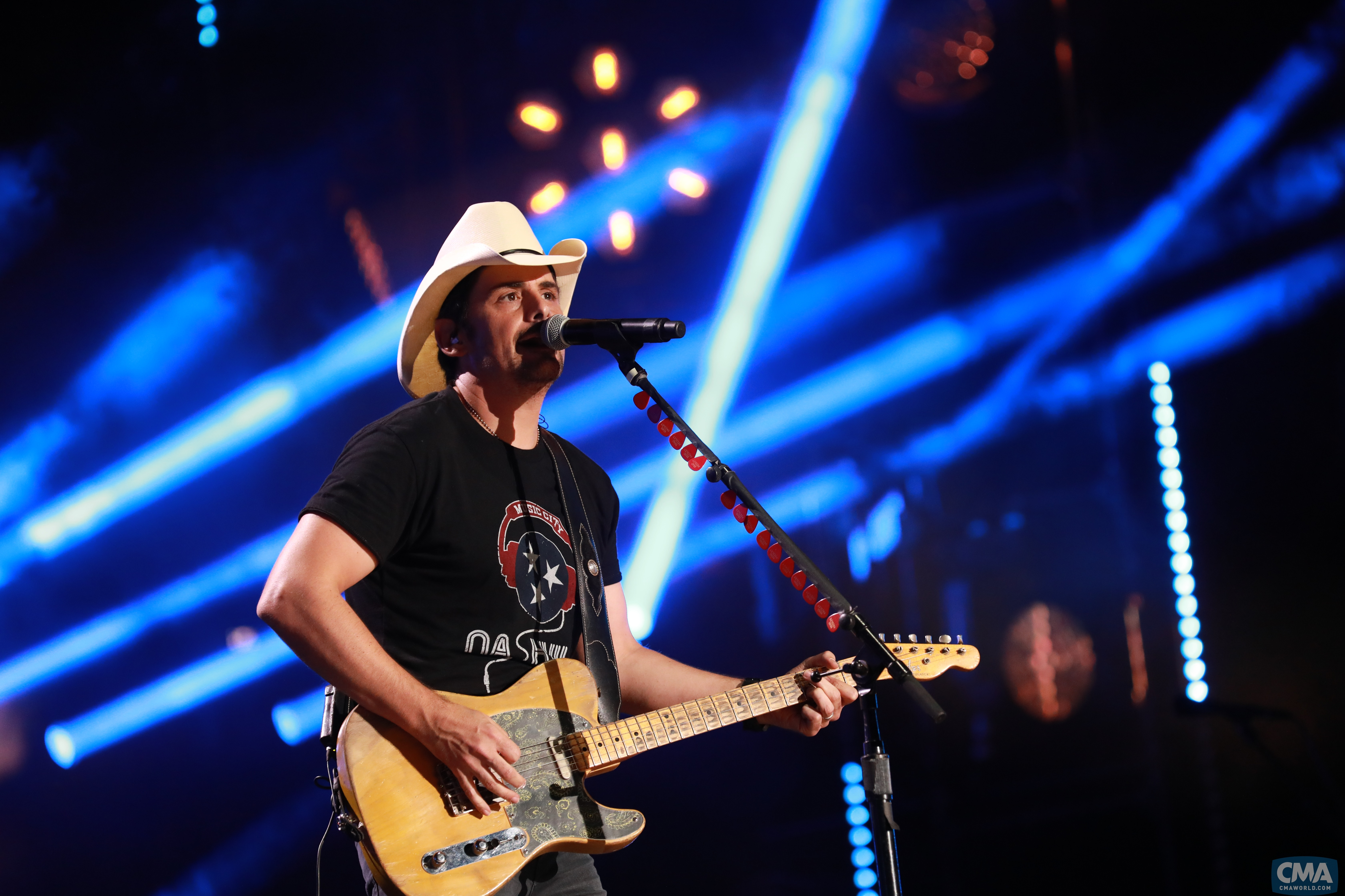 Brad Paisley, Lady Antebellum and More to Perform at 'Fourth of July Fireworks Spectacular'