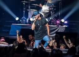 Chris Lane to Make Laps Around the Country with Headlining Tour