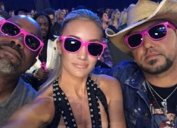 2017 CMT Music Awards – Best Instagram Moments From Your Favorite Country Stars