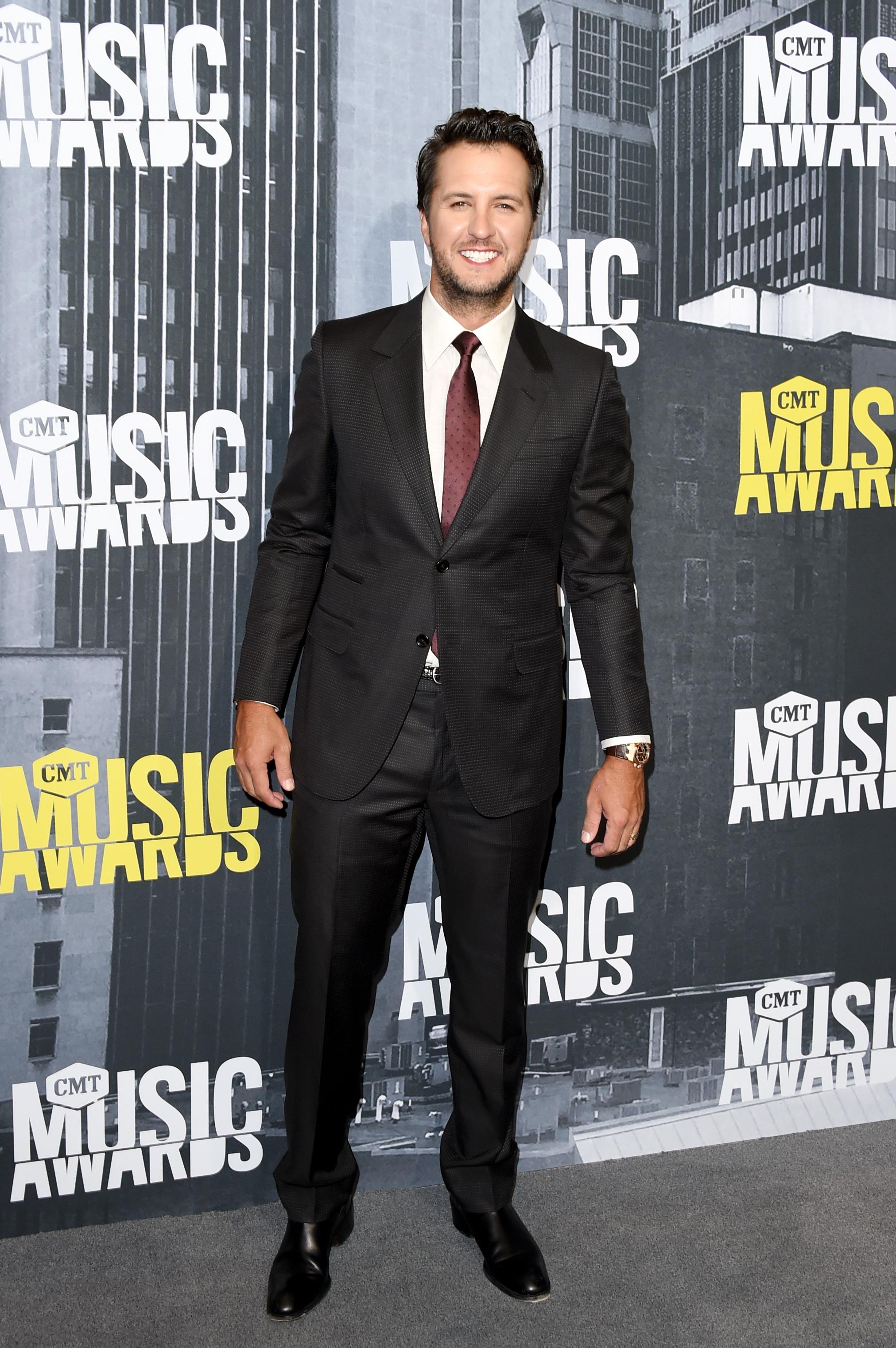 NASHVILLE, TN - JUNE 07: Singer-songwriter Luke Bryan attends the 2017 CMT Music Awards at the Music City Center on June 7, 2017 in Nashville, Tennessee. (Photo by J. Merritt/FilmMagic)