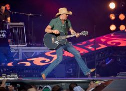 Jason Aldean to Host Second Annual 'Concert for the Kids'