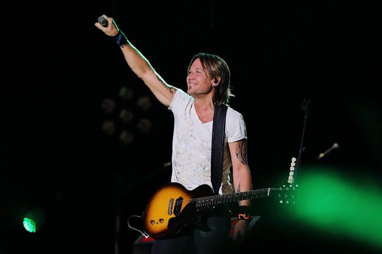 Keith Urban, Brad Paisley Bring Guitar Shredding to Night 4 of 2017 CMA Fest