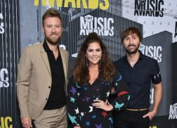 Lady Antebellum Countrifies R&B Alongside Earth, Wind & Fire During CMT Performance