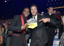 Luke Bryan and Jason Derulo Win 2017 CMT Performance of the Year