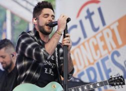 Thomas Rhett Shares Parenting Advice with Hoda Kotb, Performs on 'TODAY'