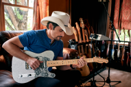 Brad Paisley Partners With Fender for Signature Guitar