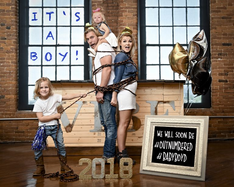 Craig Wayne Boyd and Family Expecting Baby No. 3