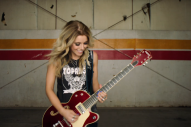 Lindsay Ell Jams in 'Waiting on You' Music Video