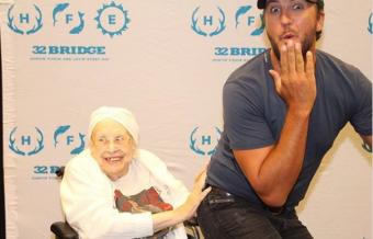 Luke Bryan Meets 88-Year Old Terminally Ill Fan