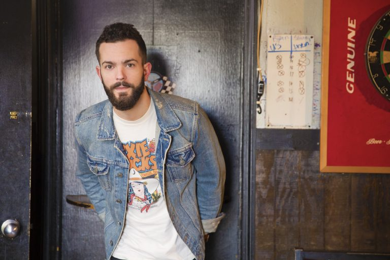 Ryan Kinder Gets 'Deconstructed' in Live 'Close' Performance Video