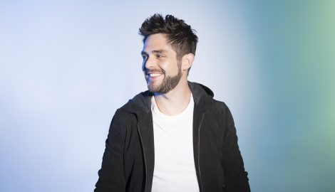 Thomas Rhett Signs On for Dallas Cowboys Thanksgiving Halftime Show