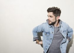 Thomas Rhett's 'Marry Me' Soars to No.1 on Billboard Country Airplay Chart
