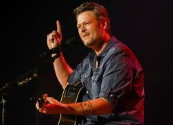 Blake Shelton to Help Co-Host Nashville Portion of Hurricane Harvey Benefit Telethon