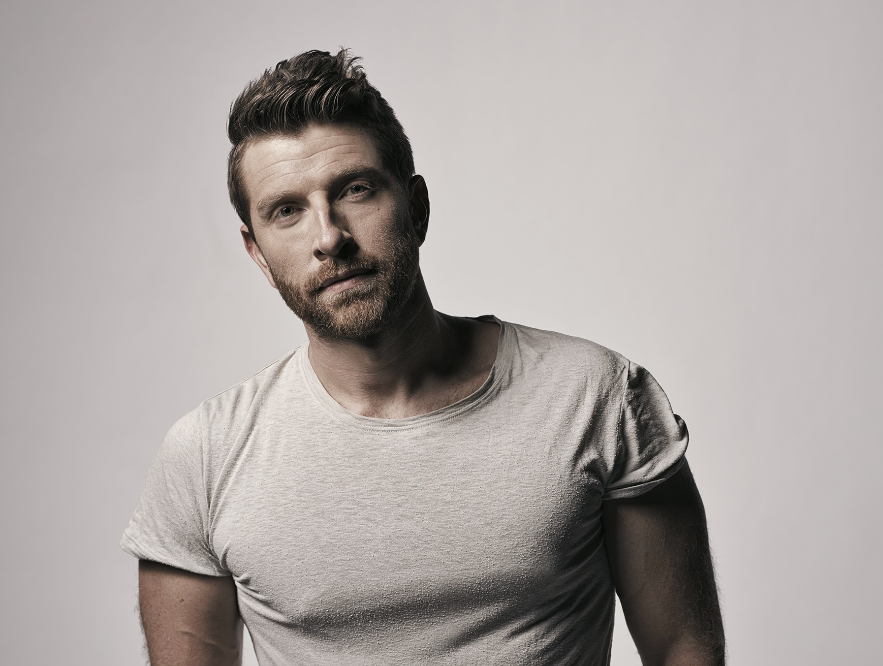 Brett Eldredge Gets Vulnerable About Love in 'The Long Way'