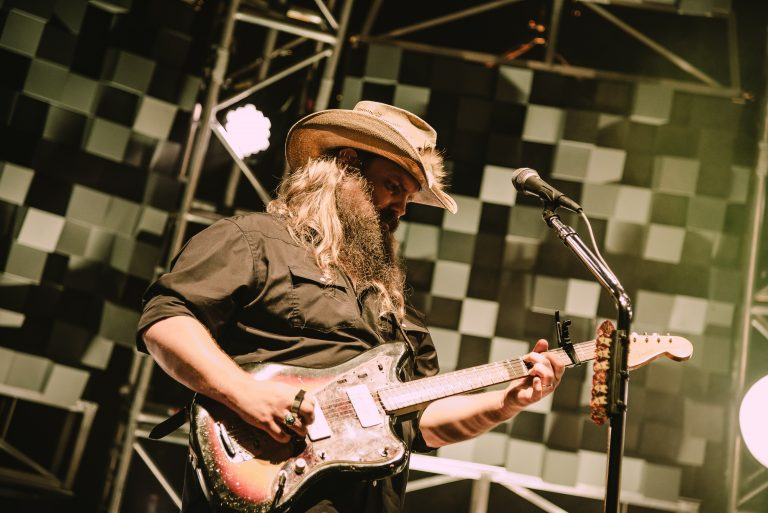 Chris Stapleton Puts Powerhouse Vocals on Display in New Jersey