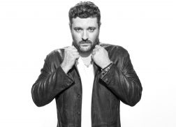 Chris Young to Embark on Losing Sleep 2018 World Tour