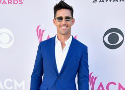Jake Owen's Mom Reminds Him About the Importance of Chivalry