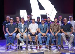 Jason Aldean Commemorates Triple No. 1s With Songwriters and Fans