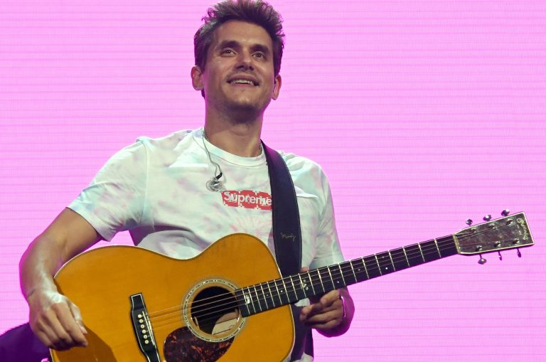 John Mayer Honors Glen Campbell With 'Gentle On My Mind' Cover During Nashville Show