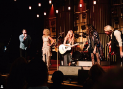 Maren Morris Goes for the 'A Capella Harmonies' with Little Big Town During Ryman Surprise