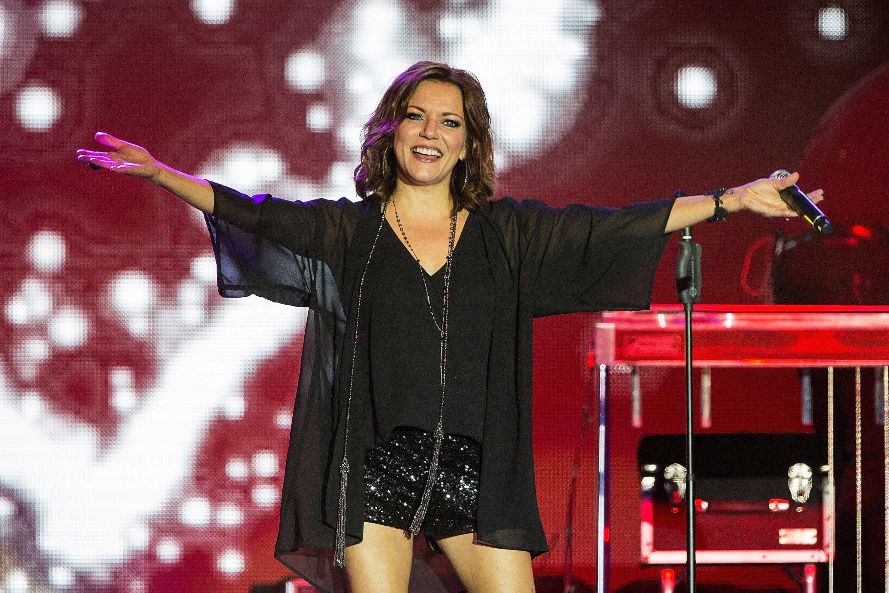 Martina McBride to Light Up the Holiday Season with The Joy of ...