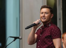 Scotty McCreery Signs New Record Deal with Triple Tigers/Sony Music Entertainment