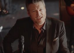 Blake Shelton Plays the Wedding Singer in 'I'll Name the Dogs' Video
